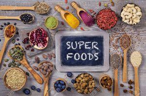 ob_530ee7_54145202-super-aliments-dans-des-cuill