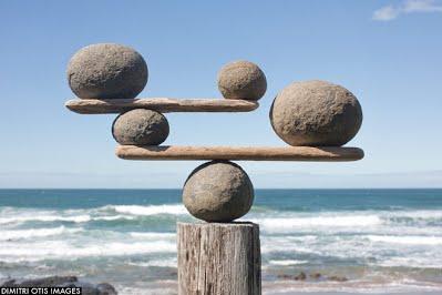 balance-stones-ocean-beach