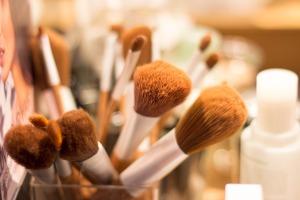 brush-3408995_1920